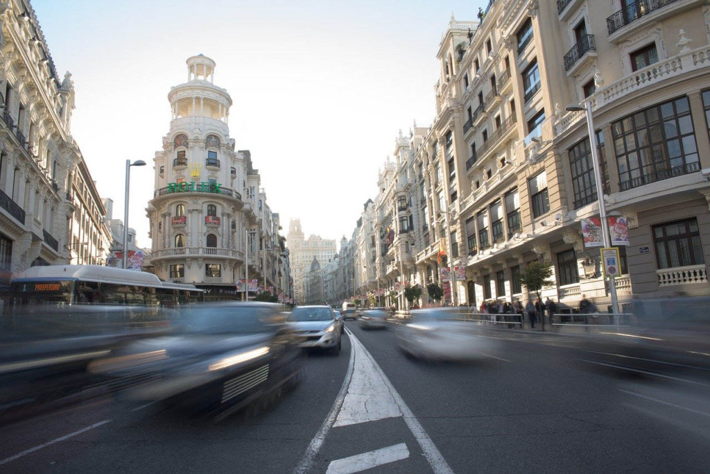 Trafic auto sur Gran via de Madrid