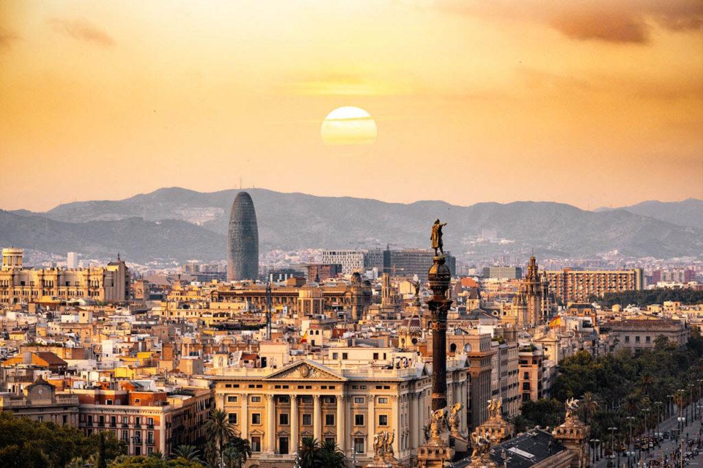 Coucher de soleil sur une ville Espagnole
