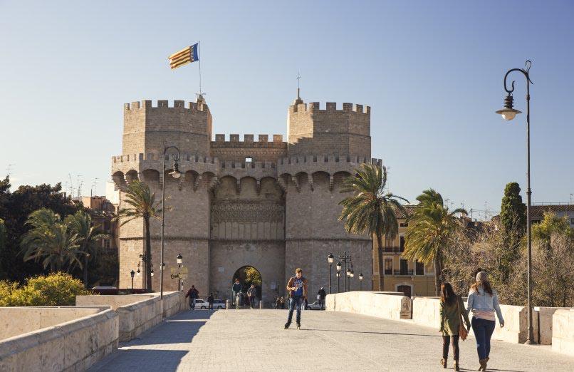 Torres de Serranos, jardin Turia à Valencia