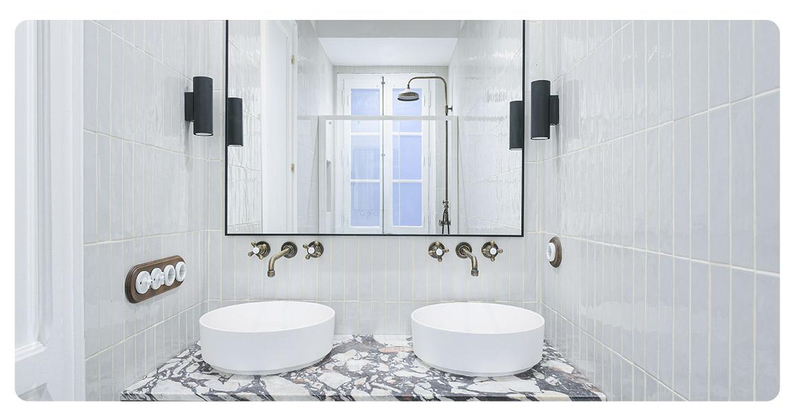 acheter appartement barcelone vue sur sagrada familia salle de bain