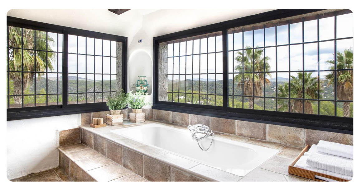 acheter maison villa barcelone sitges salle de bain