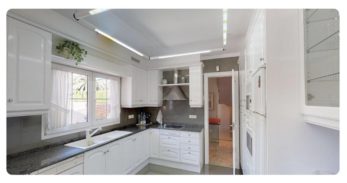 acheter maison villa castelldefels cuisine