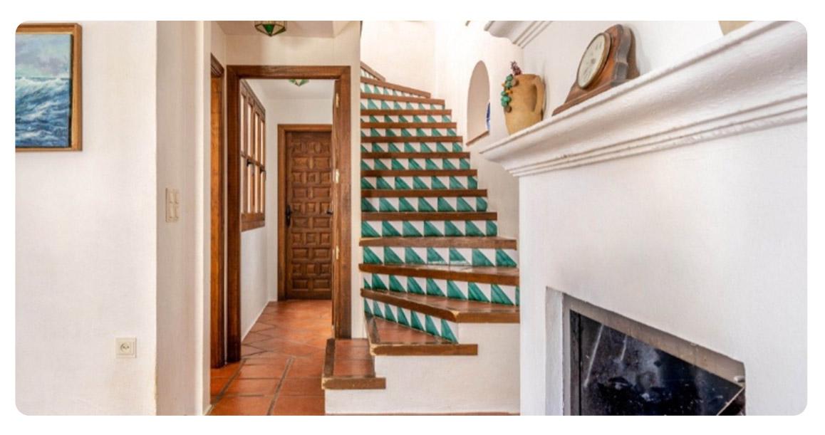 acheter maison atypique grenade centre escaliers 2