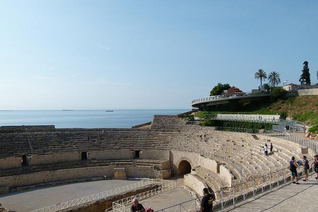 amphithéâtre de Tarragone avec vue sur la mer