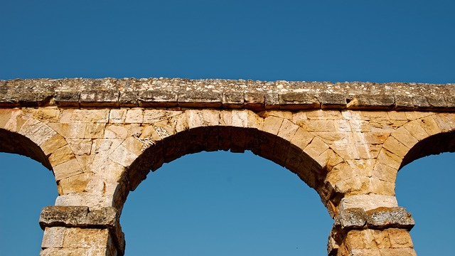 aqueduct en pierres de Tarragone
