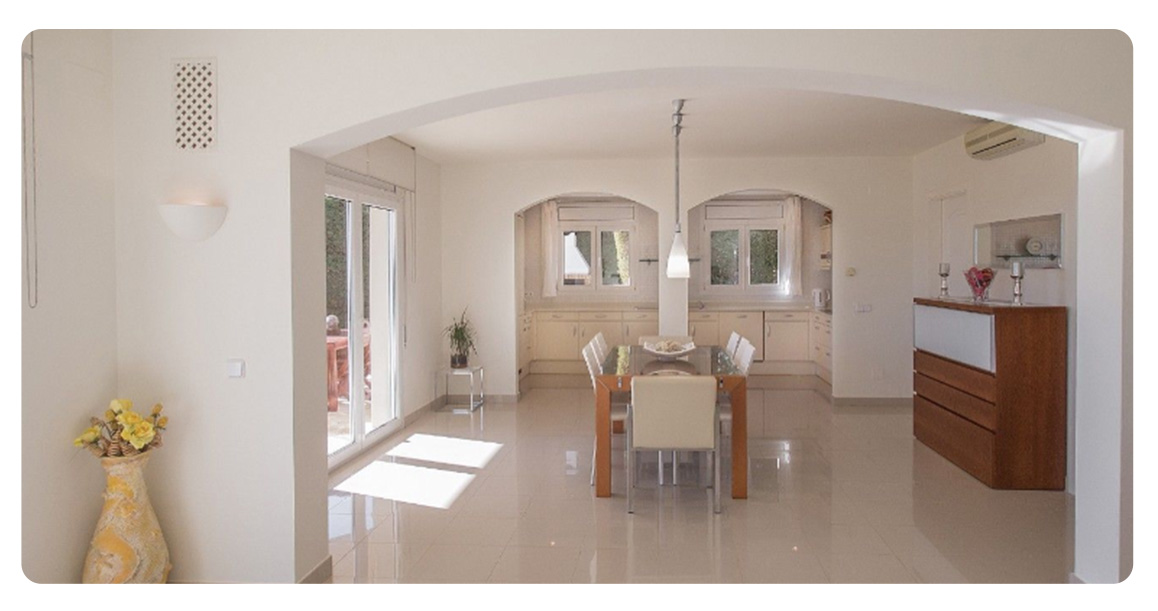 acheter maison grande demeure platja de aro salle a manger