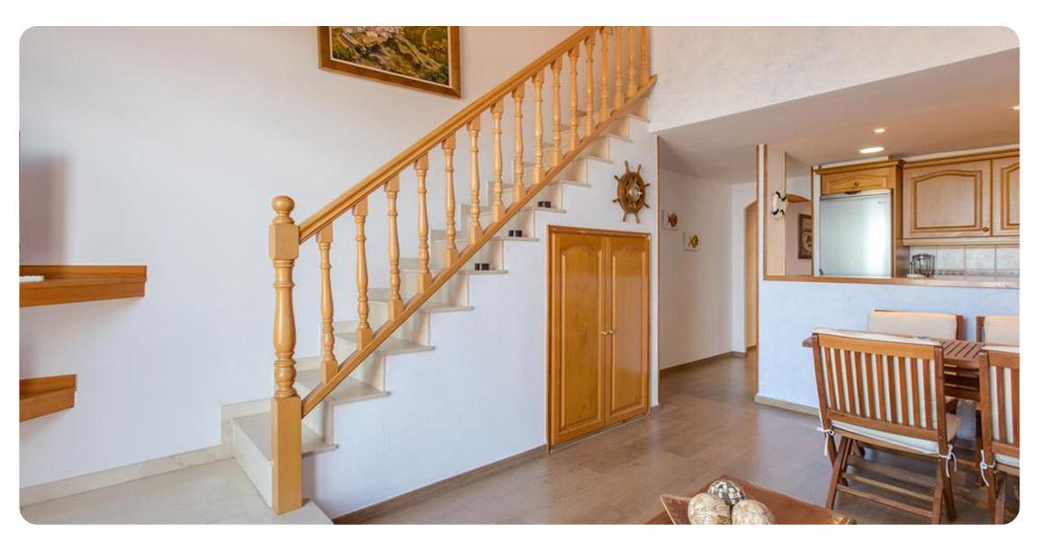 acheter appartement jolie begur escaliers