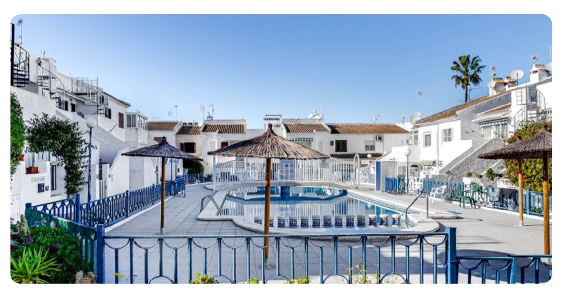 acheter jolie maison mitoyenne torrevieja terrasse vue