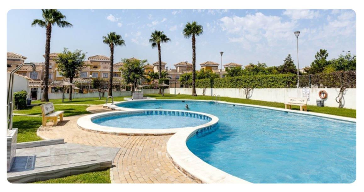 acheter maison mitoyenne torrevieja piscine