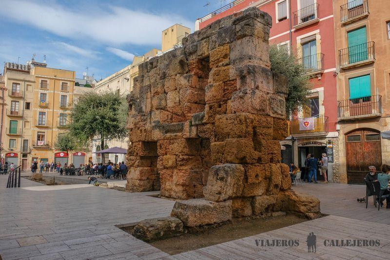 Plaza del Fòrum, un des endroits à voir à Tarragone