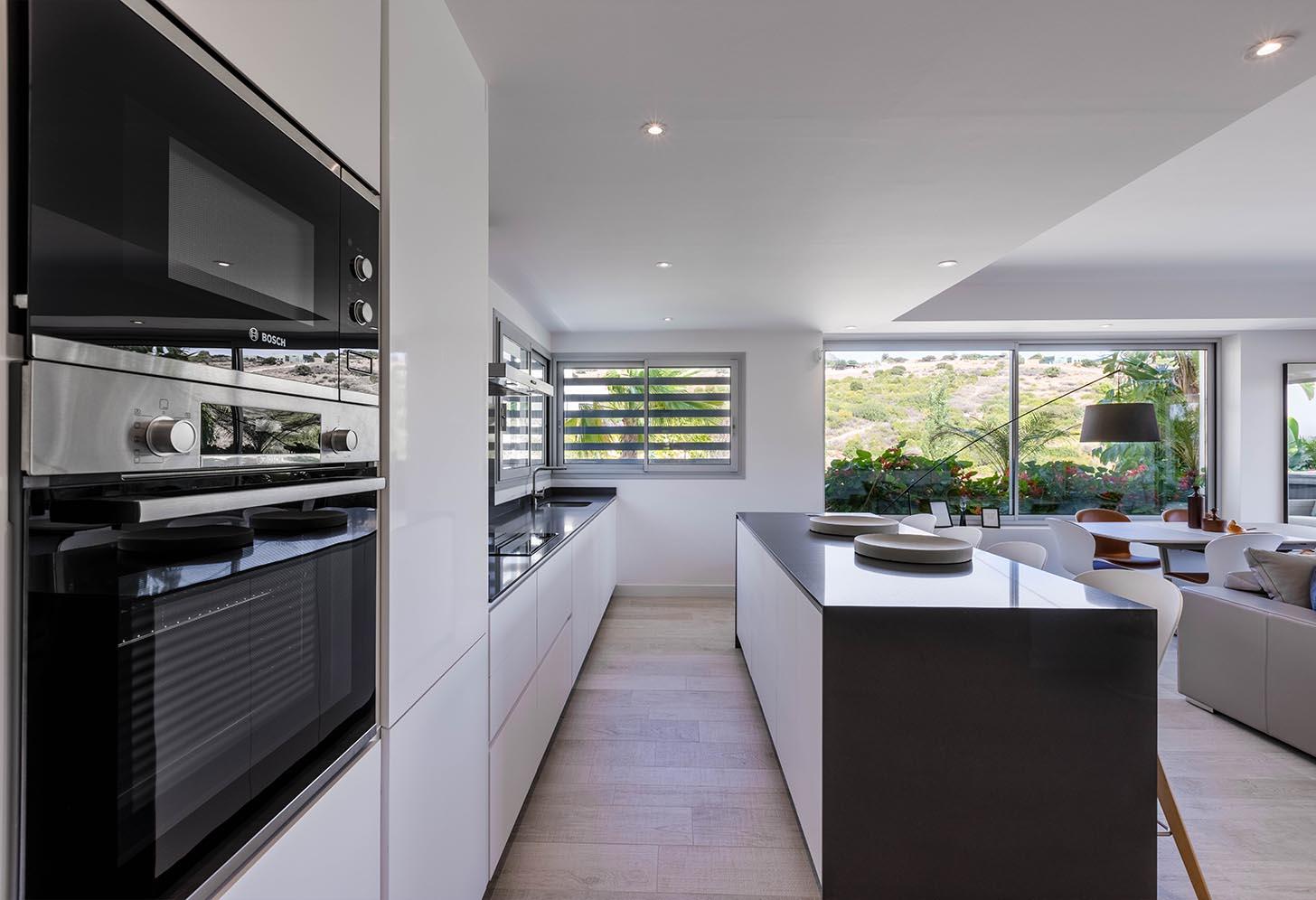 immobilier neuf espagne costa del sol on-e6 alcazaba lagoon cuisine