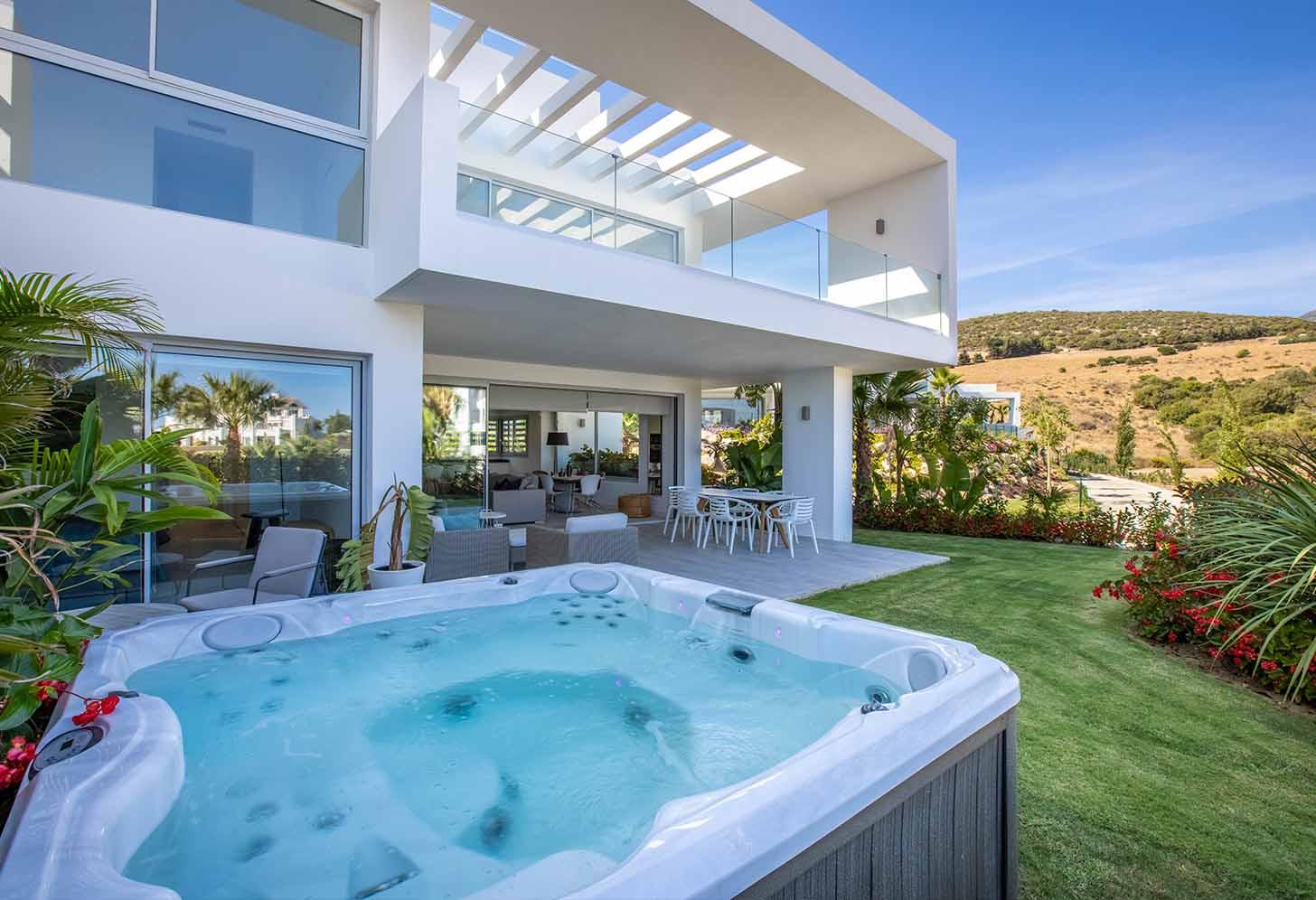 immobilier neuf espagne costa del sol on-e6 alcazaba lagoon jacuzzi