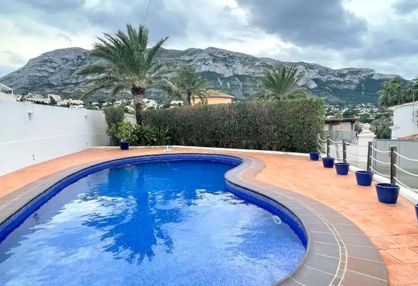immobilier acheter une maison avec piscine à dénia 001